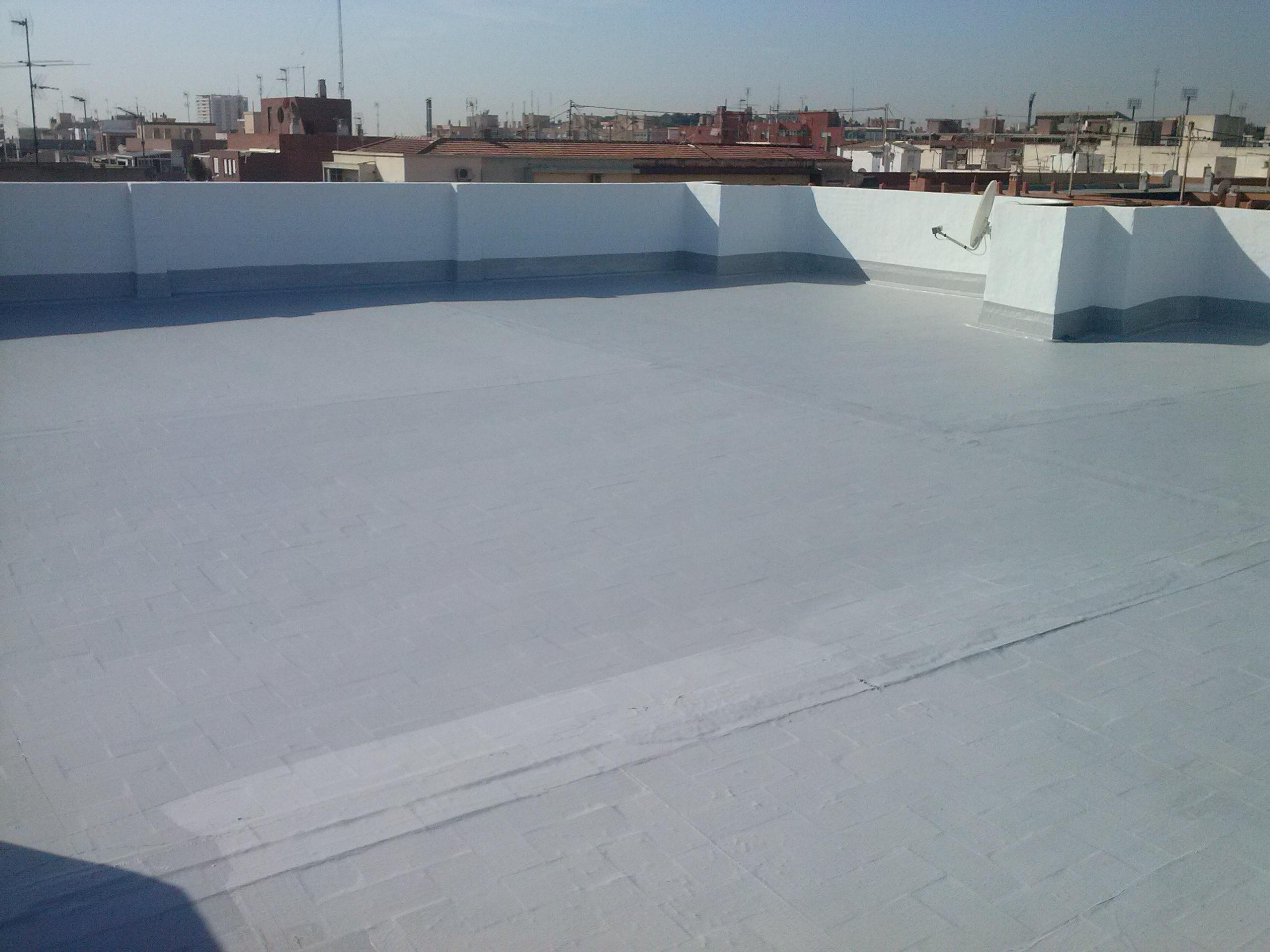 Impermeabilización de terrazas con pintura de caucho elastico Garrido